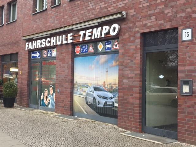 Уникальная автошкола ТЕМПО в Берлине. Пробная поездка  - и Вы поймёте подходим ли мы Вам!