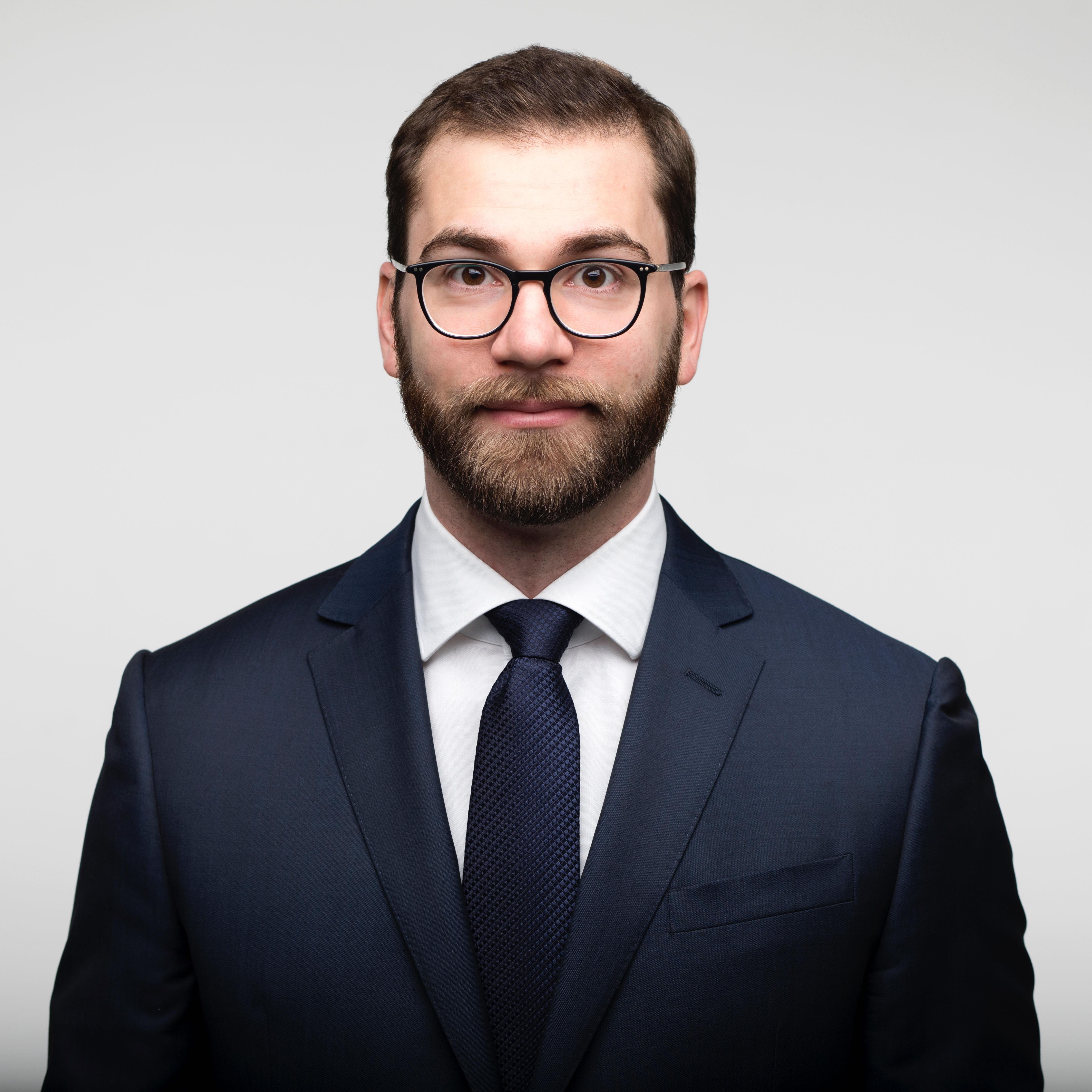 Адвокат по трудовому праву Хазанов Евгений – AfA Rechtsanwälte