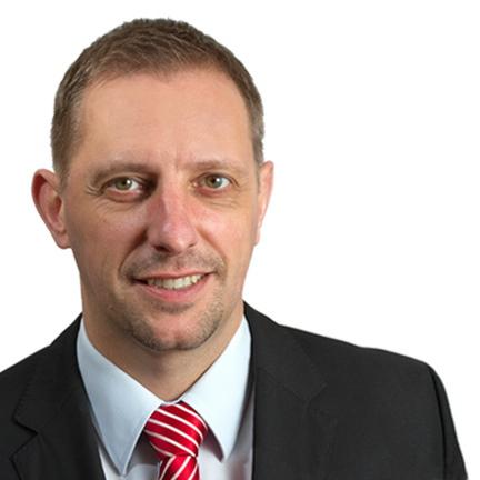 Русскоговорящий адвокат Франк Шмидер, специалист по корпоративному и коммерческому праву.