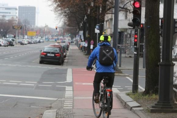 Берлин: зеленая волна для велосипедистов