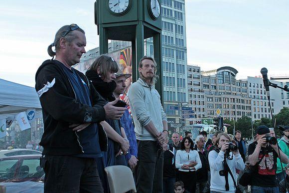«Демонстрация по понедельникам»: борьба за мир продолжается