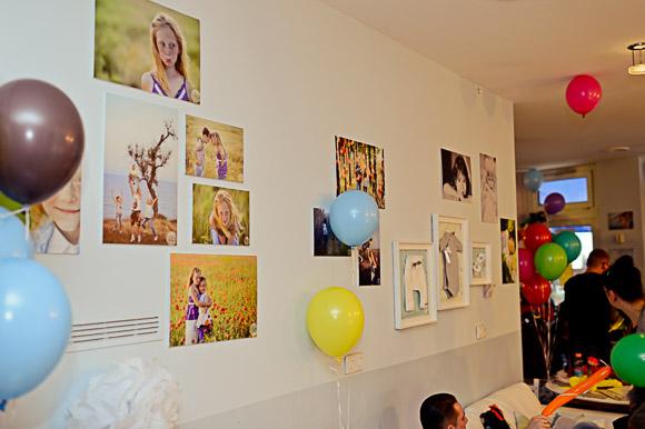 100-MAL WARUM: фотовыставка в Берлине