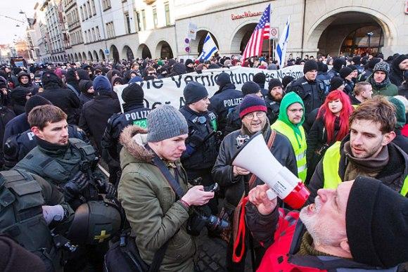 В Германии прошли антиамериканские демонстрации