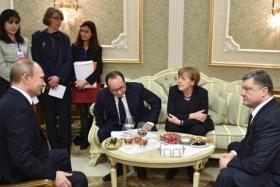 4 часа продолжаются переговоры в Минске