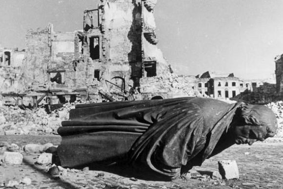 Бомбежки Дрездена: смертный приговор городу