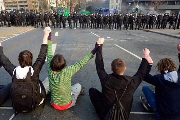 Беспорядки во Франкфурте: 200 пострадавших