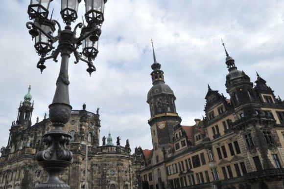 Дрезден: карикатуры в часовне