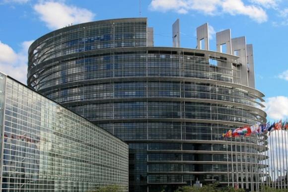 Европарламент больше не считает Москву стратегическим партнером