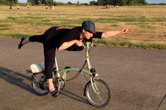 Йога на велосипедах: поворачивай в нирвану