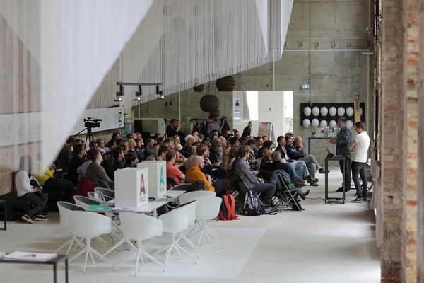 Свалить с умом: с 21 по 23 апреля в Берлине пройдёт Smart Forum