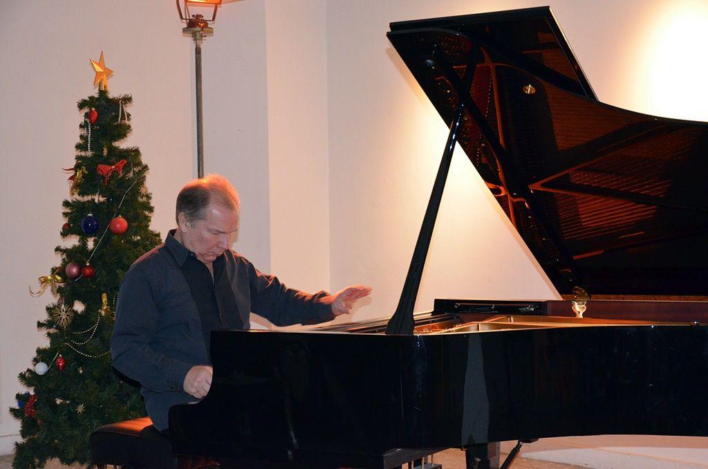 Новый год в пути: слово пианисту…