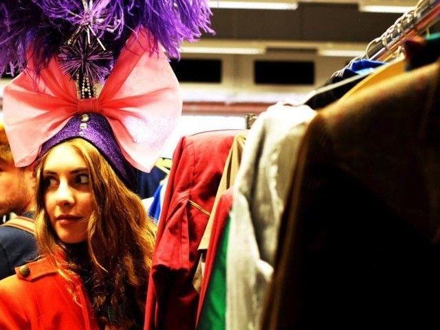 Распродажа 2-х тысяч карнавальных костюмов