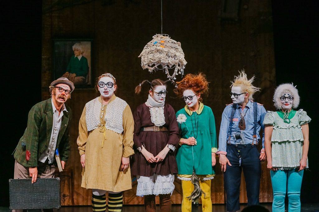 СЕМЬЯНЮКИ - семья. Клоунский театр из Санкт-Петербурга