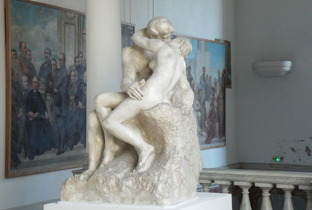Музей приглашает целоваться