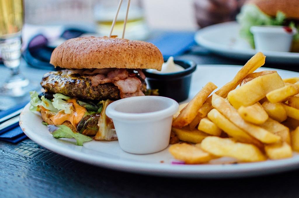 Новости берлинской кухни: карривурст-гамбургер