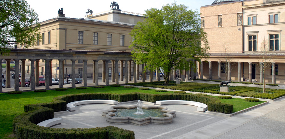 Самый культурный бар Берлина