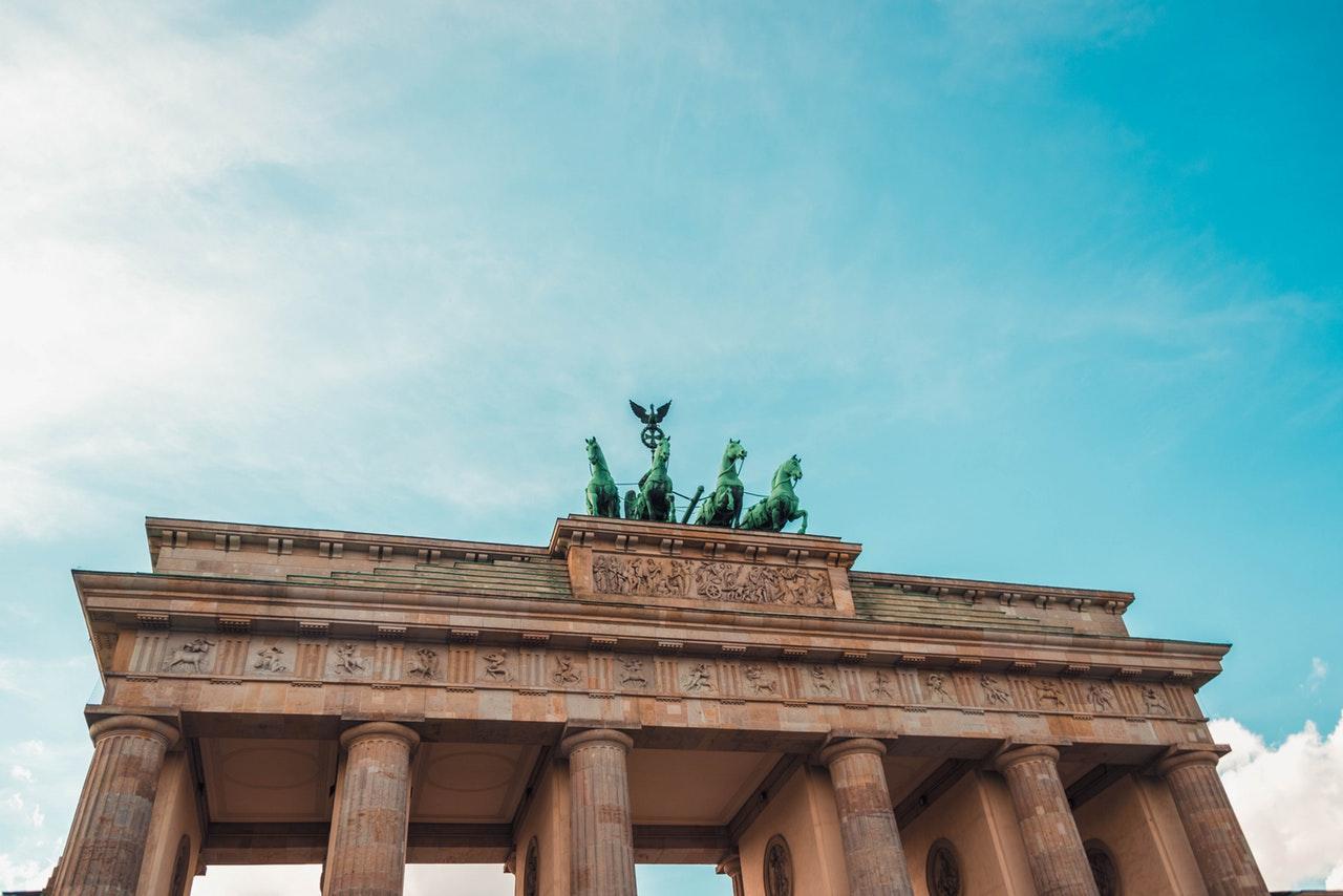 Пахать как лошадь в Берлине нельзя даже лошадям