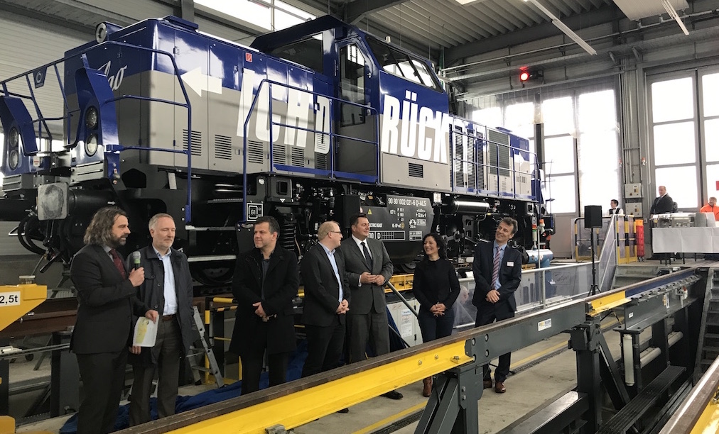 Talgo запускает современный гибридный эко-локомотив