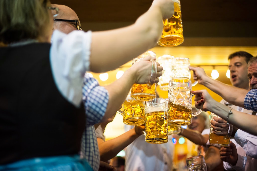 Oktoberfest — пиво на лугах