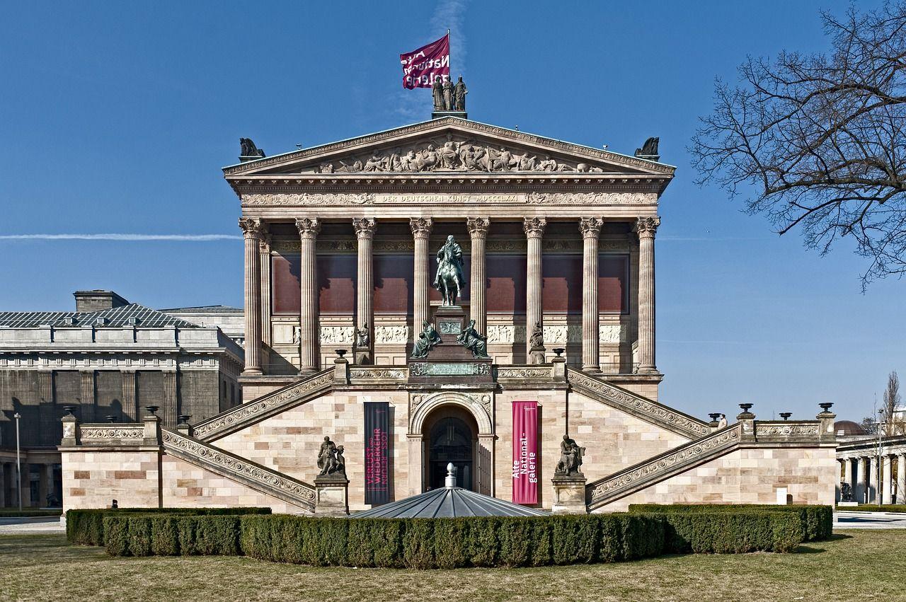 Массовые мероприятия и музеи в Берлине в период с мая по октябрь