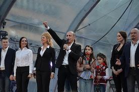 ПЕСНИ ПОБЕДЫ: поём вместе и вспоминаем о войне вместе с хором Турецкого