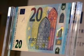 Новые «20 евро» представили Европе