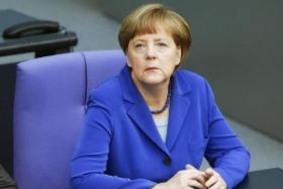 Меркель встретится в Москве с оппозицией