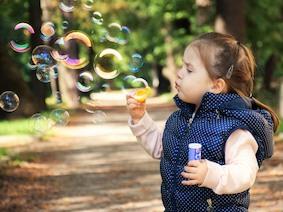 День защиты детей в Берлине будут отмечать два раза
