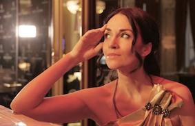 Певица Лидия Валента написала русский романс нового века и выпустила видеоклип