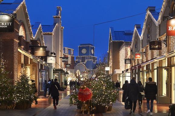 Новогодний шопинг в Ingolstadt Village
