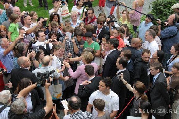 ДЕНЬ ОТКРЫТЫХ ДВЕРЕЙ В ОФИСЕ КАНЦЛЕРА ФРГ АНГЕЛЫ МЕРКЕЛЬ