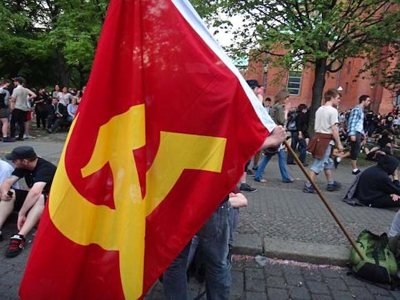 «КРАСНЫЕ ДЬЯВОЛЫ» в центре Берлина. Конец капитализму?