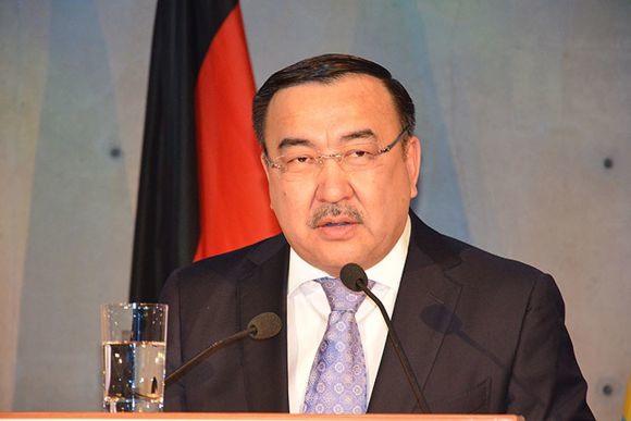 Казахстан принимает поздравления