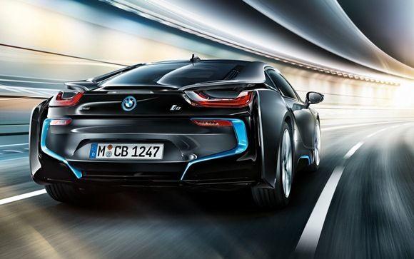 BMW i8: суперспособности не спасли от аварии