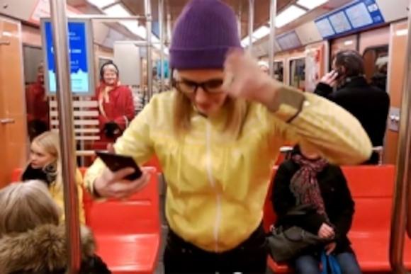Nokia: Зарядить телефон от танцев? Легко!