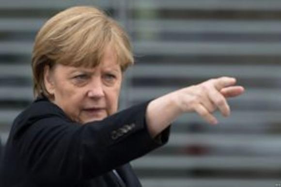Меркель не отправит войска в Украину