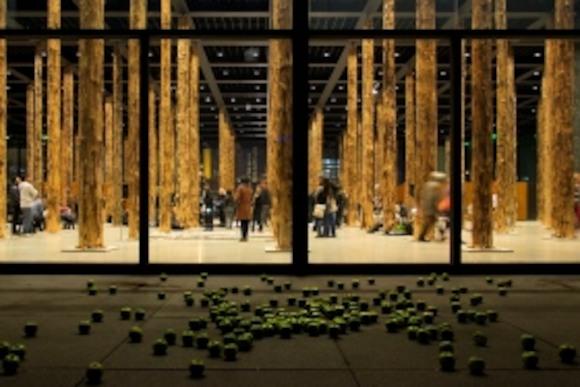 Инсталляция «Sticks and Stones. Eine Intervention» Дэвида Чипперфильда