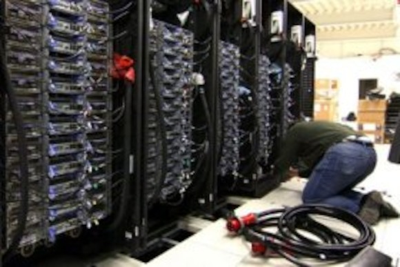 Самый мощный компьютер начал работать в Гамбурге
