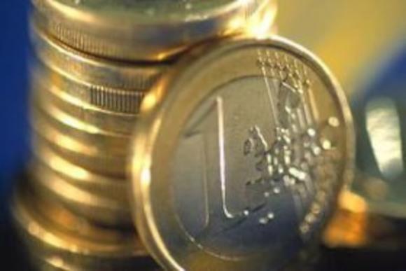 Курс евро упал до уровня 2006 года