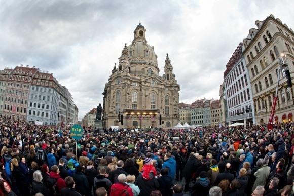Pegida собрала 25.000 человек