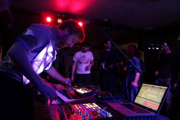 RUBEROID: вечеринка в клубе «Рога и копыта»