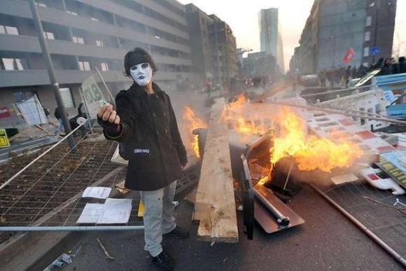 Немцы протестуют против политики ЕЦБ