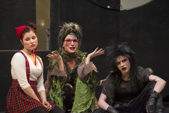 «GRIMM» - спектакль о пользе и вреде сказок
