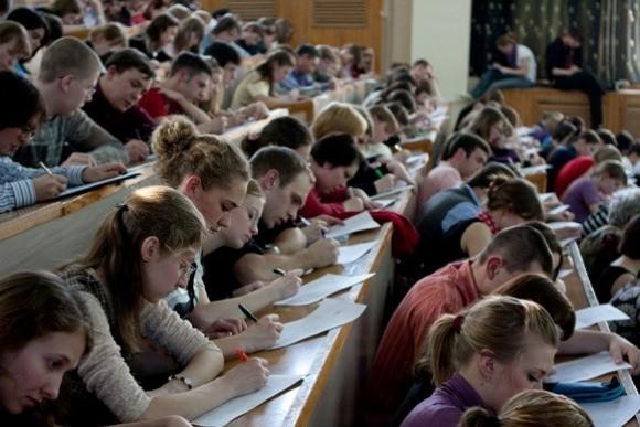 Всеобщая проверка грамотности: «Тотальный диктант» в Германии