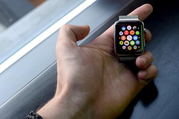 Обзор Apple Watch: стоит ли тратиться?