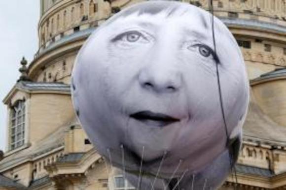 Ангелу Меркель надули в Дрездене