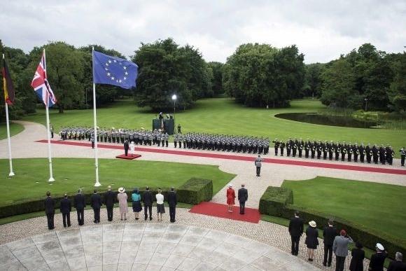 Елизавета II в Берлине: маленькие секреты большого визита