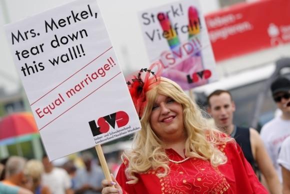 Кончита Вурст открыла гей-парад в Кёльне
