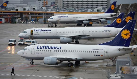 Lufthansa отменяет полеты