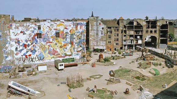 Tacheles празднует 27 день рождения: фотовыставка Штефана Шиллинга